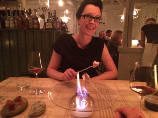 Dessertpetiser (or whatever it's called) of table-toasted marshmallows